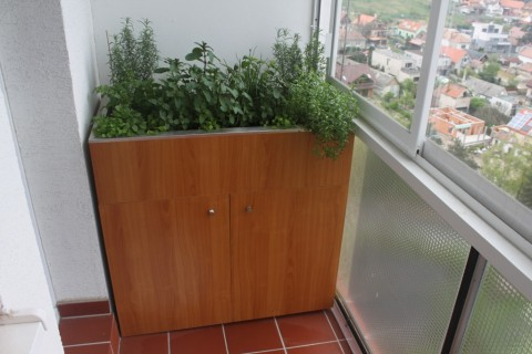 Skrinko - kvetináč na balkóne Bratislava - Rača